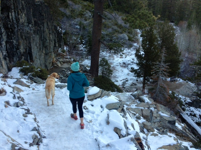 hike-tahoe-during-winter