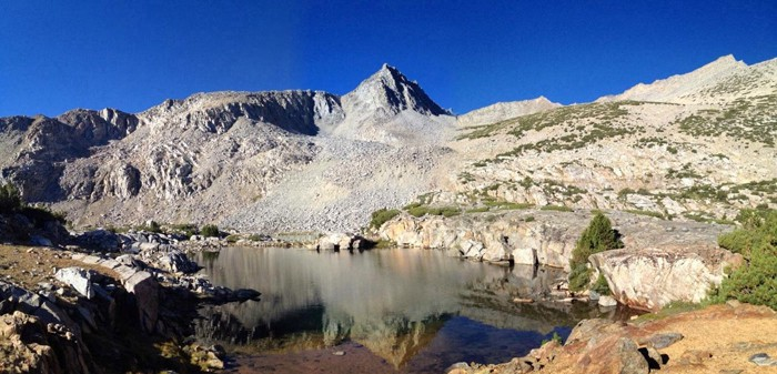 bishop-pass-lake-reflection