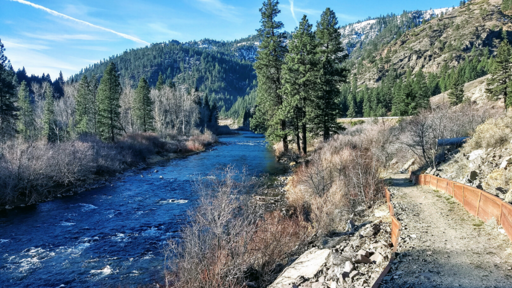 A wide section of the Tahoe Pyramid Trail next to the Truckee River.